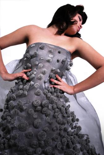 MARIA LAURA VANNUCCI, abito realizzato con rete d'acciaio, 2009 Archivio Saveart, foto Gerti Ibra
